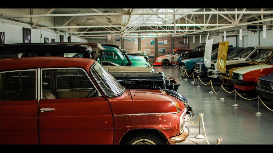 Classic-Cars-1.jpg